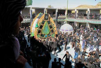 عزاداری عاشورای حسینی در روستاى هفتهر استان یزد