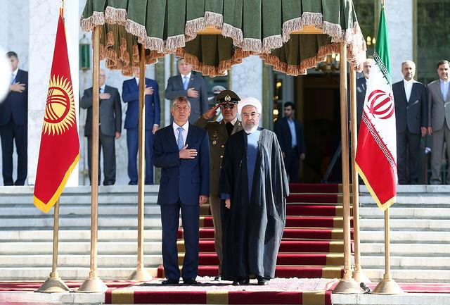 دکتر روحانی از رییس جمهوری قرقیزستان استقبال کرد