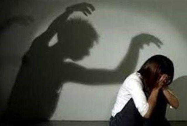 زن هوس باز به دختر 12 ساله اش هم رحم نکرد