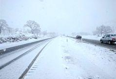برف و باران همچنان ادامه دارد