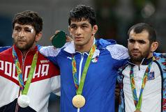 اهدای مدال طلای المپیک یزدانی، به حرم مقدس رضوی