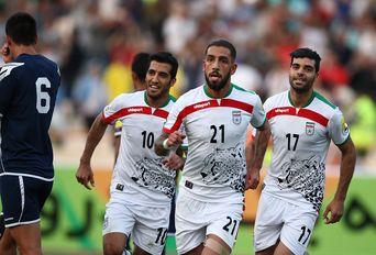 دیدار تیمهای فوتبال ایران و گوام