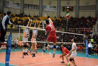 دیدار تیم های والیبال شهرداری ارومیه - سایپا
