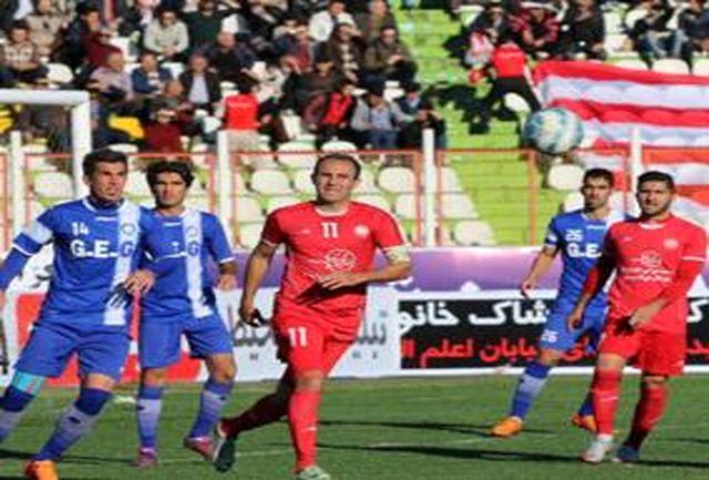 تیم فوتبال سپیدرود رشت در دیداری حساس میزبان ایرانجوان بوشهر است