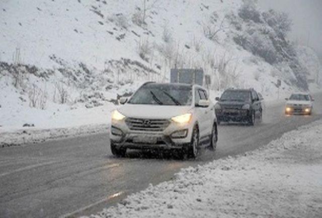 بارش برف در ارتفاعات محورهای کندوان و هراز