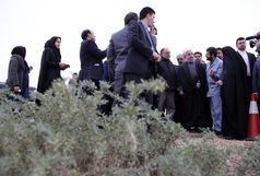 بازدید دکتر روحانی از طرح تثبیت خاک و بیابانزدایی کانونهای بحرانی تولید ریزگرد در خوزستان