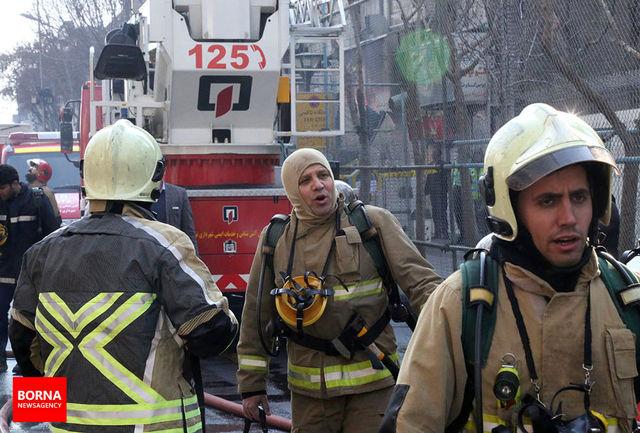 حفر تونل برای ورود به طبقه زیرین پلاسکو/ وضعیت آتش نشانان همچنان نامشخص