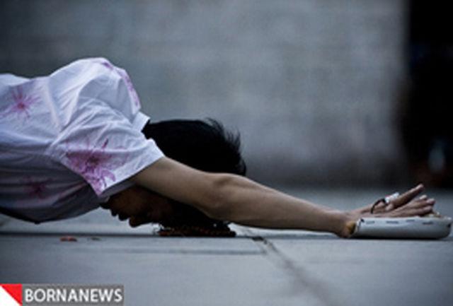 تصاویر: دراز کشیدن در وسط خیابانی در بازار برای دعا خواندن!