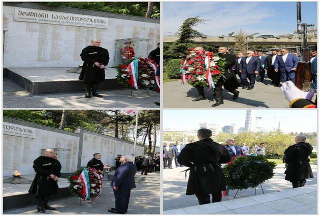 ادای احترام ظریف به قهرمانان استقلال گرجستان