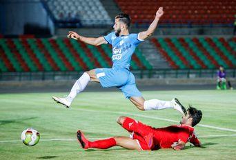 دیدار تیم های فوتبال پیکان- پدیده مشهد