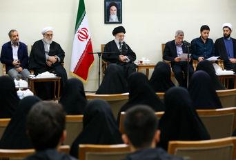 دیدار دانشجویان بسیجی مدالآور دانشگاه شریف با رهبر انقلاب