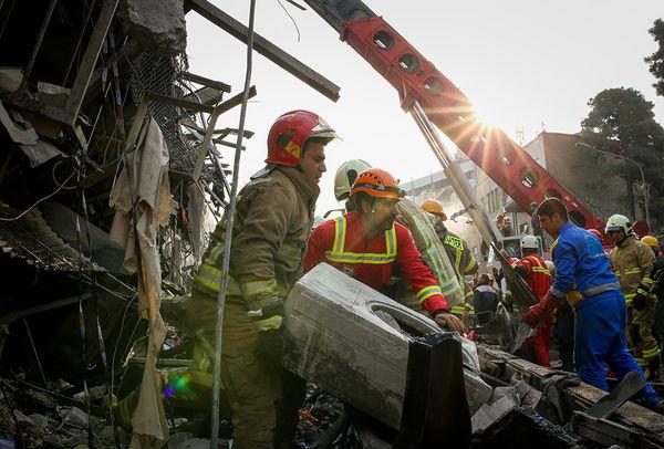 ساختمان پلاسکو یک روز پس از حادثه - ۱