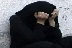 پسر جوانی که دختر 17ساله را در مقابل نامزدش مورد آزار قرار داد