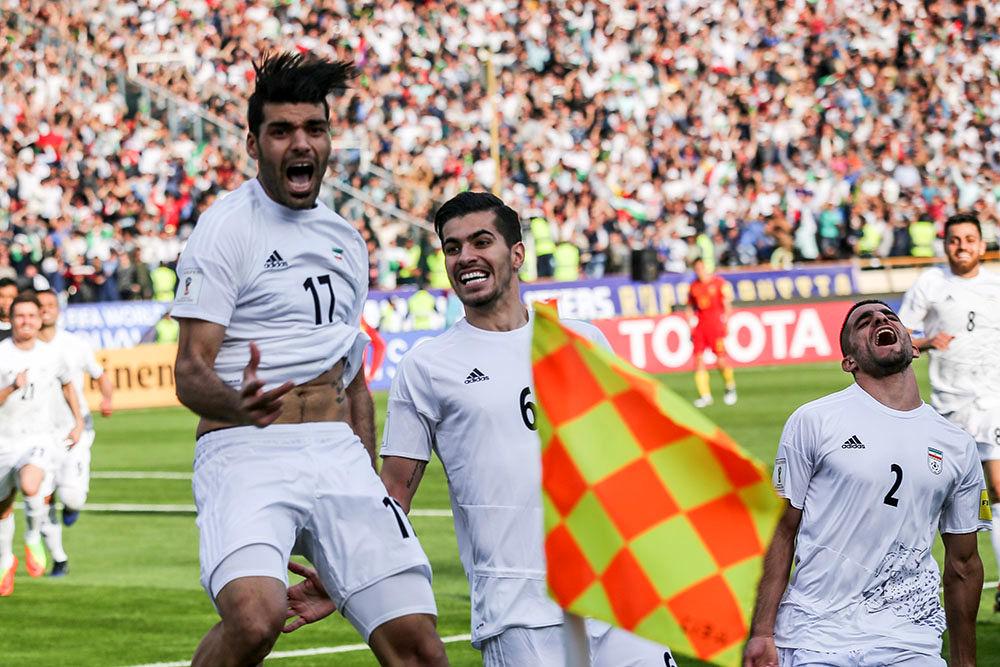 در حاشیه دیدار تیم های ملی ایران و چین (۲)