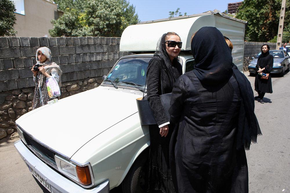 بیش از 50 عکس از مراسم خاکسپاری عباس کیارستمی