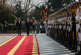 استقبال رسمی جهانگیری از نخست وزیر مجارستان