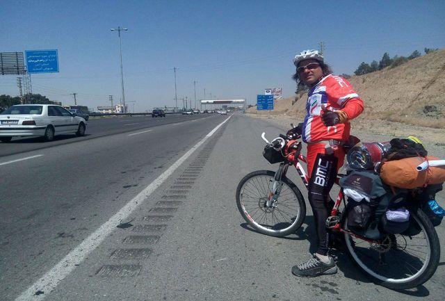 سفیر محیط زیست هیات ورزشهای همگانی استان تهران شروع به رکاب زدن  در سطح کشور کرد