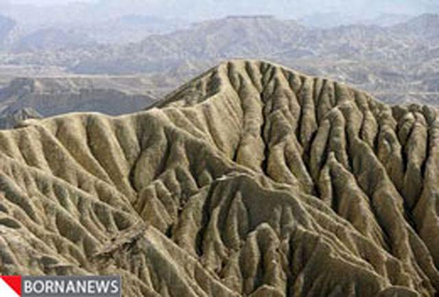 سفر به مریخ ایران/تلفیق کوههای عجیب و ماسههای سرخ در دل طبیعت