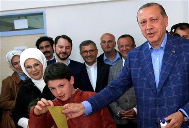 تبریک اردوغان به احزاب موافق اصلاحات قانون اساسی