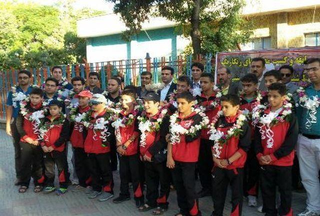 کسب مدال های رنگارنگ مسابقات شنای دانش آموزی کشور توسط دانش آموزان کرمانی