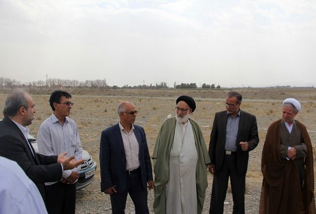 کلنگ احداث ساختمان بنیاد شهید در ملارد به زمین زده شد
