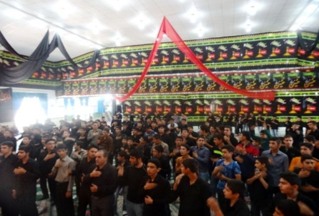 برگزاری تجمع بزرگ «لبیک یا حسین» در خرم آباد