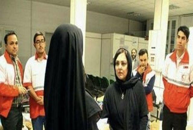 خانم بازیگر در هلالاحمر تهران برای کمک به زلزلهزدگان/ببینید