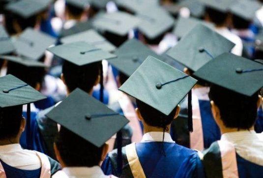 ایران از کارشناسان بی شمار بیکار منفجر شده/ 300 هزار دانشجوی جدید وارد دانشگاه شدند