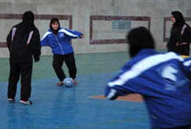 کسب رتبه اول تیم فوتسال دانشجویان دختر گرمسار در مسابقات منطقه10کشور