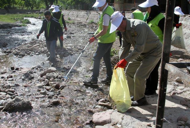 رودخانه کندوان آذربایجان شرقی بصورت نمادین پاکسازی شد