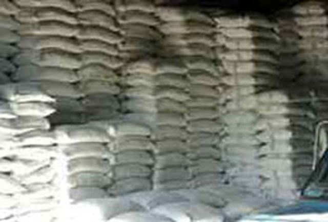 کامیون حامل ده تن آرد قاچاق به دام مأموران نیروی انتظامی افتاد