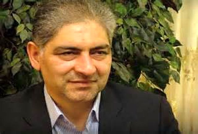 تولیدکنندگان و صنعتگران آذربایجان شرقی برای دریافت خدمات بانکی به تهران مراجعه میکنند