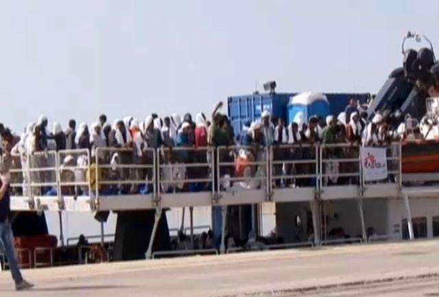 غرق شدن 40 مهاجر غیر قانونی در آب های مدیترانه