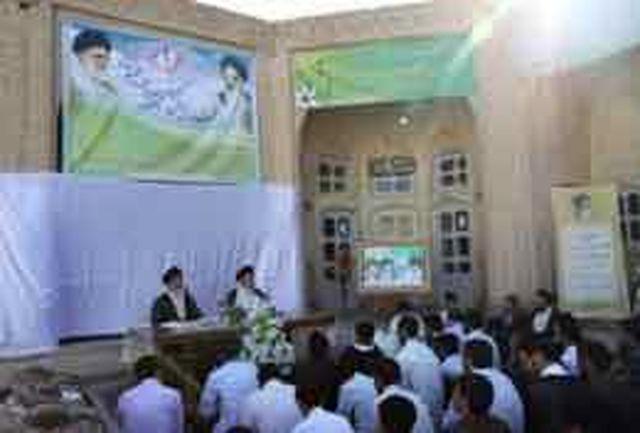 استاد حوزه علمیه یزد: شبهات باورهای دینی نسل جوان را هدف قرارداده است