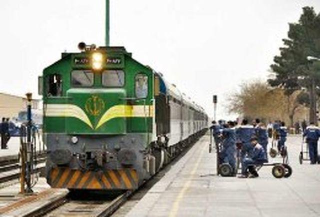 برخورد مرگبار عابر پیاده با قطار مشهد - تهران