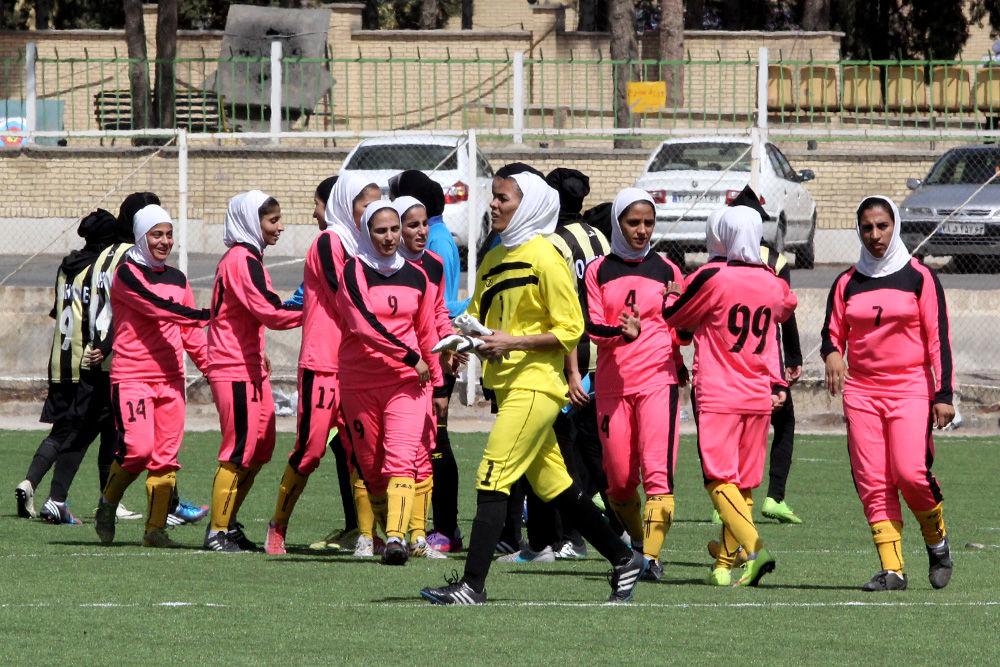 فوتبال بانوان قشقایی شیراز و شهرداری بم