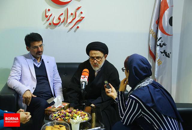 حجتالاسلام هاشمینژاد از غرفه خبرگزاری برنا بازدید کرد