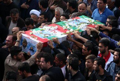 تشییع پیکر 2 شهید مدافع حرم در رشت