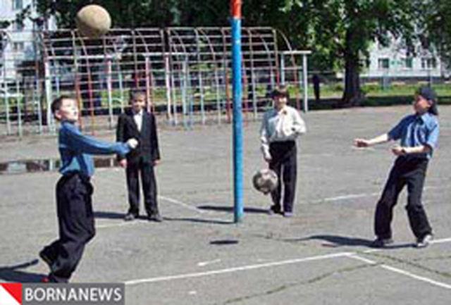 مدارس منتخب تهران تابستان به دانش آموزان ورزش میآموزند