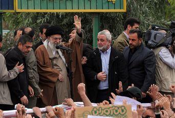 بازدید سرزده رهبر انقلاب از مناطق زلزلهزده استان کرمانشاه