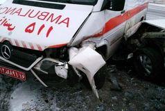 بی احتیاطی اینبار آمبولانس ۱۱۵ را زمین گیر کرد/فوت یک نفر در جاده