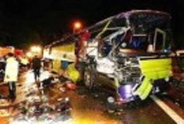 برخورد اتوبوس مسافربری با تریلی در محور تربت حیدریه یک کشته و هشت مجروح بر جا گذاشت