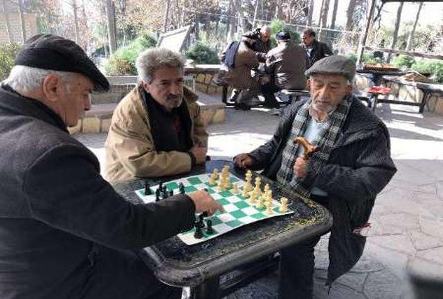 آغاز مسابقات شطرنج سالمندان بالای 60 سال در کرج