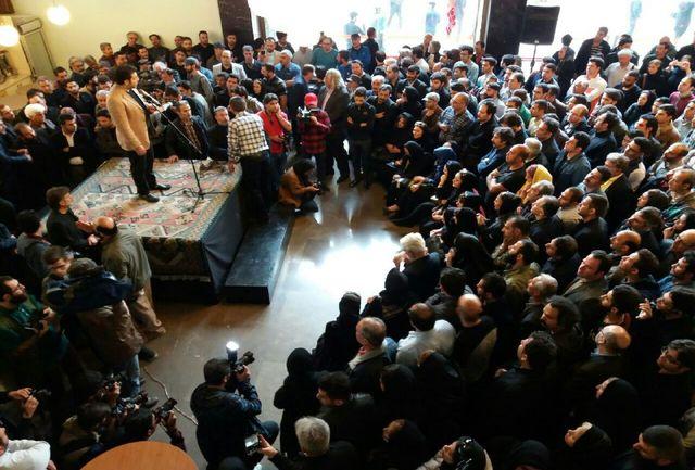 مراسم تشییع پیکر عارف لرستانی در تالار وحدت آغاز شد