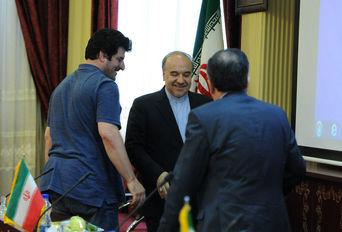 نشست وزیر ورزش و جوانان با رییس فدراسیون و اعضاى شوراى فنى کشتى
