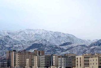 بارش برف رشته کوه باقران خراسان جنوبی را سفید پوش کرد(گزارش تصویری)