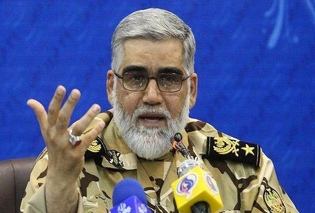 امیر پوردستان از پایگاه شکاری شهید یاسینی بوشهر بازدید کرد
