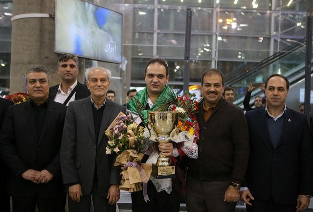 قهرمان اسنوکر جهان به ایران بازگشت