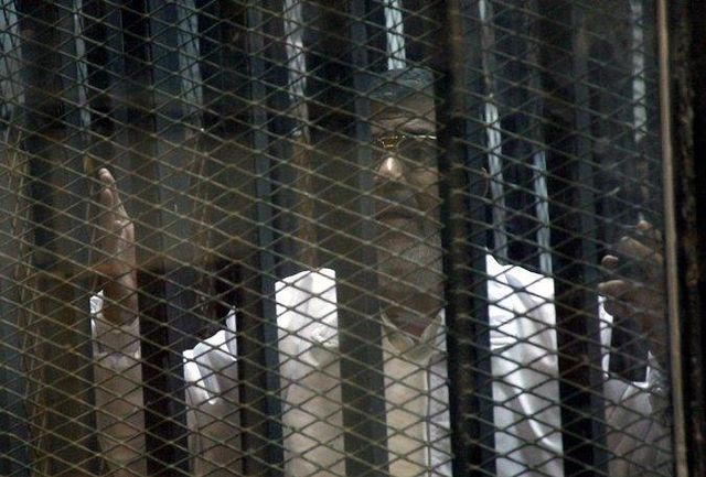 مرسی به حبس ابد محکوم شد