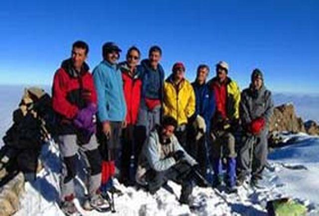 صعود کوهنوردان همدانی به قله 3350متری دالاخانی